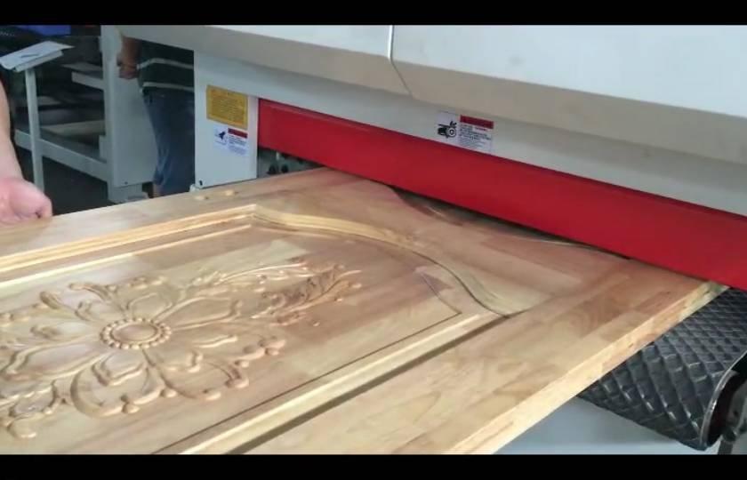 Carved solid wood door primer sanding